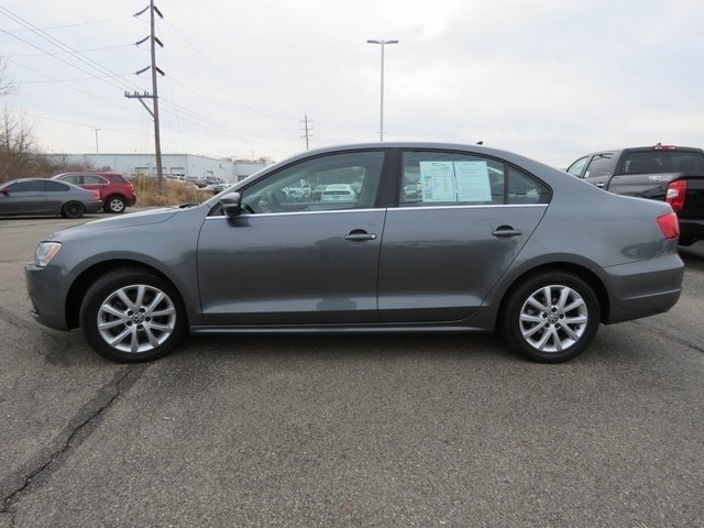 Pre-Owned 2014 Volkswagen Jetta Sedan SE w/Connectivity/Sunroof PZEV