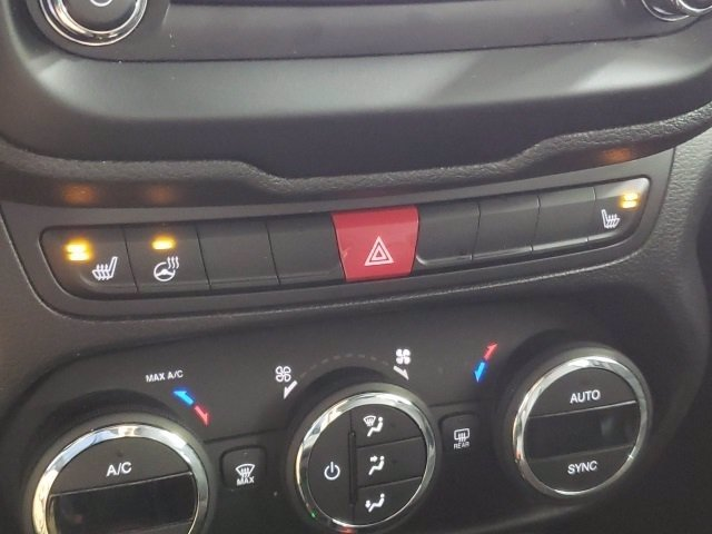 Pre-Owned 2017 Jeep Renegade Trailhawk